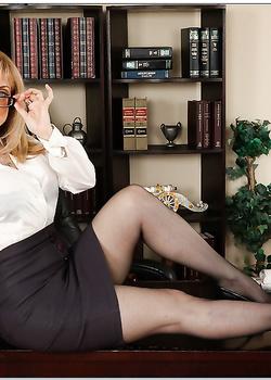 Развели блондинку на минет в кафе порно фото бесплатно