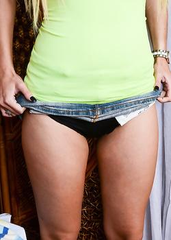 gap-legs-panties-pussy-sexy-nude-aged-girls