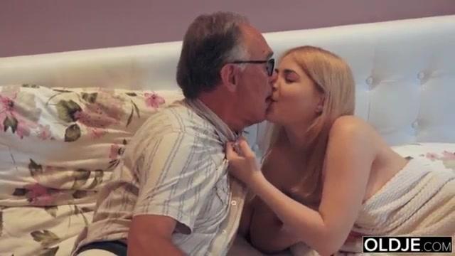 Free porn tubes hunks heterosexual