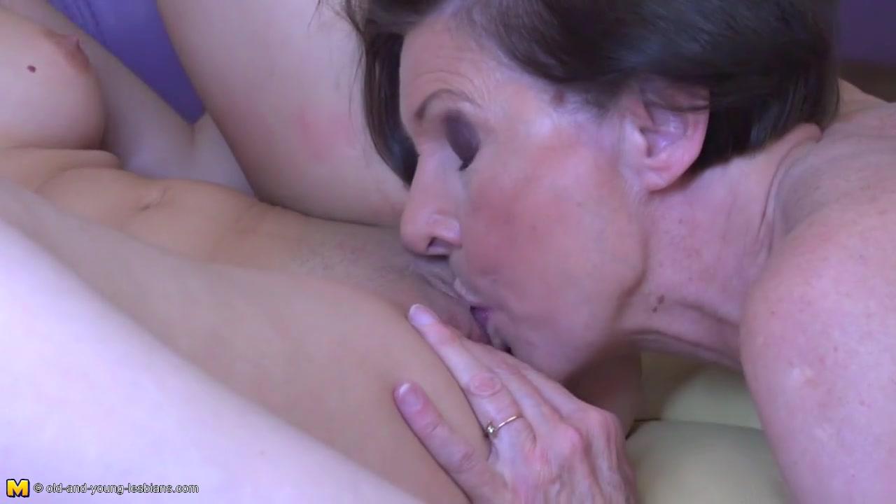Nephew Licks Aunts Pussy