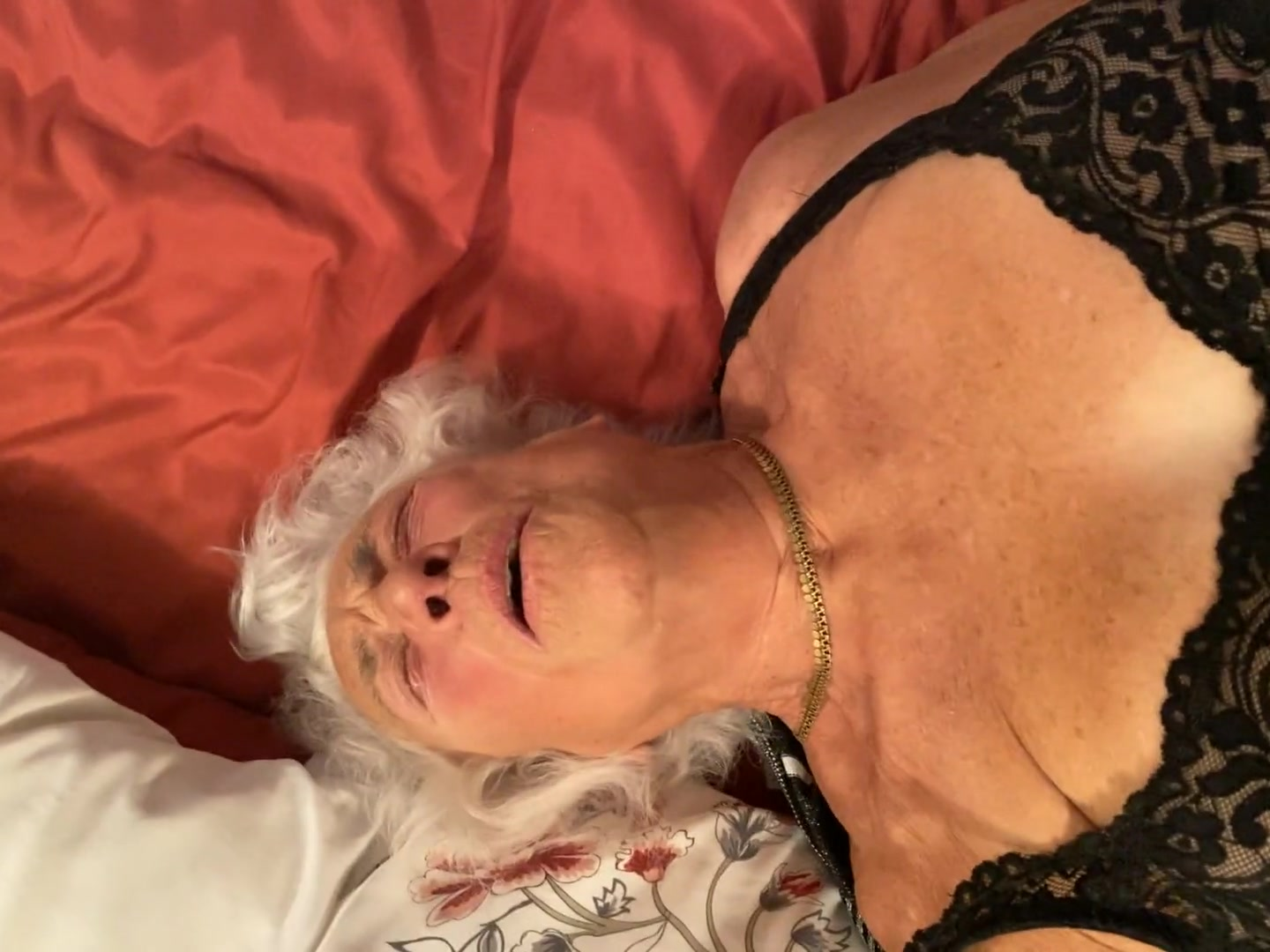 Amateur Old Granny Anal