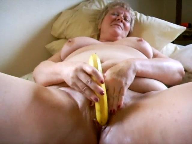 Pics of selena gomez naked with hairy pussy